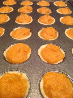 These bite sized sweet potato pies satisfy my craving for sweet potato pie in a healthy way. At 78 calories each I don'. Homemade Sweet Potato Pie, Vegan Sweet Potato Pie, Sweet Potato Cupcakes, Sweet Potatoe Bites, Sweet Potato Biscuits, Sweet Potato Recipes, Potato Bread, Calories Sweet Potato, Healthy Pie Recipes