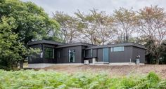 Charmante maison bois contemporaine à l'orée des bois au Japon - Mukawa House par Studio Aula - Hokuto, Japon