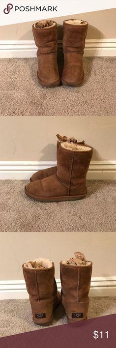 UGG Classic Short Classic Chestnut color. USA 10. UK 8.5. EU 41. Japan 270. UGG Shoes Winter & Rain Boots