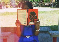 Depois de duas semanas de postagens na hashtag #livroitgirls no instagram, eis as duas eleitas que ganharam seus próprios livros ItGirls
