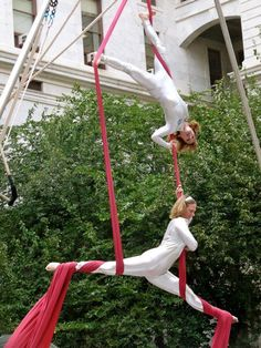 Circus performance at Philadelphia City Hall @phillycircus.com