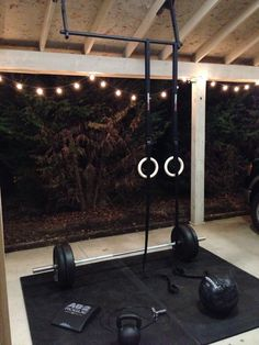 outdoor home gym, nice pull-up setup - Tap the pin if you love super heroes too! Cause guess what? you will LOVE these super hero fitness shirts! Crossfit Garage Gym, Home Gym Garage, Diy Home Gym, Home Gym Decor, Basement Gym, Best Home Gym Setup, Backyard Gym, Small Home Gyms, Pull Up