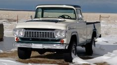 Amazing: This car is my dream whip. So awesome Classic Ford Trucks, Ford 4x4, Ford Pickup Trucks, 4x4 Trucks, Cool Trucks, Classic Cars, Old Pickup, Old Fords, Jeep