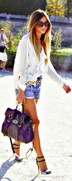 jeans short with white shirt and leather bag