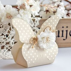 Diy Gift Box, Diy Box, Diy Gifts, Paper Box Template, Eid Crafts, Cool Paper Crafts, Boxes And Bows, Gift Wraping, Creative Box