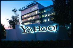 """Amerikanın internet şirkəti """"Yahoo!"""" əməkdaşlarının ştatını 15 faizədək ixtisar etmək, eyni zamanda, bir sıra nümayəndəliklərini azaltmaq niyyətindədir.  Mənbə vistanews.ru saytına istinadla xəbər verir ki, işçilərin azaldılması şirkətə əməliyyat xərclərini il ərzində 400 milyon dollar azaltmağa imkan verəcək. Həmçinin """"Yahoo"""" Dubay, Mexiko, Buenos-Ayres, Madrid və Milandakı filialını bağlamağı planlaşdırır.  Qeyd edək ki, hazırda """"Yahoo!"""" internet şirkəti böyük itkilərlə üzləşib. Son bir…"""