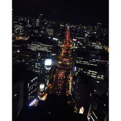 Instagram【infinityyumemi】さんの写真をピンしています。 《. Happy evening❤️ . . 夜景の見える素敵なお店で女子会\(^^)/ . 赤い信号が東京タワーに見えるのは私だけかな?❤️笑 . . 明日朝9:00LINE@登録者限定で 最新情報配信します(^^)✨ . . LINE@ID検索 →@oay8744e . . 私が自由になった秘密と どこにいても継続的な収入を得る方法❤️ . . ------------------------- #おしゃれ#旅行#自由#アフィリエイト#web#スマホ#ゲーム#転売#マジョリカマジョルカ#ポケモンgo#ハイロー#ダイエット#マツエク#ネイル#スタバ#カフェ#副業 #主婦#シングルマザー#ママ#在宅ワーク#l4l#秋#ディズニー#新宿#心斎橋#福岡#筋肉#阪急百貨店#夜景》