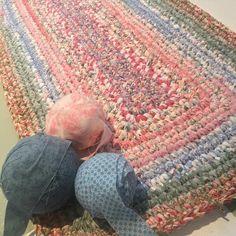 Crochet rectangular granny rag rug @ bloominginchintz