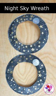 A Fun Night Sky Theme Wreath - make a paper plate wreath with a night sky wreath with a moon and stars - 3Dinosaurs.com #wreathsforkids #nightsky #spacecraft #paperplatewreath #3dinosaurs #craftsforkids Christmas Toilet Paper, Toilet Paper Crafts, Paper Plate Crafts For Kids, Fun Arts And Crafts, Easy Crafts For Kids, Space Crafts, Easy Diy Crafts, Toddler Crafts, Kids Christmas