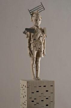 Gehard Demetz - Contemporary Artist - Wood Sculpture - Idea 2009 - Forgot but don't forgive.