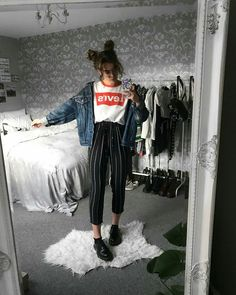 Image about fashion in Moda by Sheyla_ni on We Heart It Mode Outfits, Grunge Outfits, Trendy Outfits, Fall Outfits, Hipster Outfits, School Outfits, Look Fashion, 90s Fashion, Korean Fashion