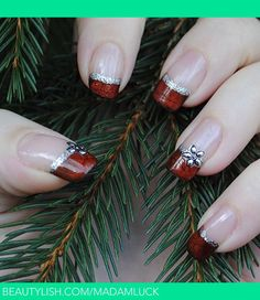 Christmas nail art - red