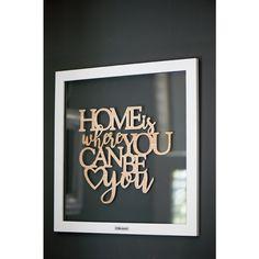 De inspirerende quotes van Rivièra Maison kunt u nu ook bij u thuis aan de muur hangen. Omdat u thuis altijd uzelf kunt zijn!