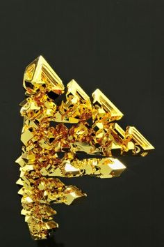 Gold (Au) by Ryoji Tanana - Microscopic Photos of the Elements via science.time #Photography #Gold