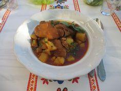 Bográcsban főtt körömpörkölt Beef, Food, Meat, Essen, Meals, Yemek, Eten, Steak