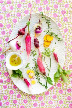 Légumes oubliés, nappes fleuries, on attend l'été.  Via: http://www.latartinegourmande.com/