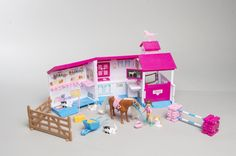 ANIMAGIC Rescue hospital-tallipakkaus (Vain BR:ssä). Sisältää tallin, tytön, hevosen ja muita tarvikkeita. Ikäsuositus 3+, 44,99€ (norm. 54,99€), BR-lelut, 3.krs