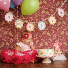 Birthday photo shoot  idea only outside with her banner and little cup cake.