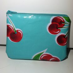 Oil cloth zipper pouch - sewing project #3