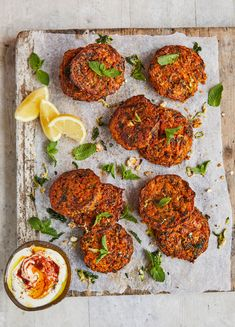 How to make Jamie Oliver's Feta, Zucchini & Spinach Cakes With Fresh Mint, Lemon & Harissa. This and more healthier, easier lunch recipes on our website.
