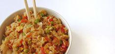 Si eres fan del típico arroz que sirven en los restaurantes asiáticos, con verduras, huevo, gambas o lo que sea, esta receta te interesa. Este arroz chino con verduras y huevo es una versión simplificada, con pocos ingredientes. Pero quedó muy rico y suficientemente sabroso.
