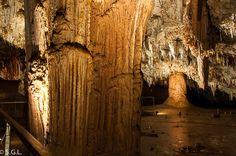 Cueva Pozalagua. EN el valle de Carranza. Bizkaia. Estalactitas excentricas. Mejor rincon Repsol 2013. http://anden-27.blogspot.com.es/2014/09/el-mejor-rincon-de-espana-2013.html