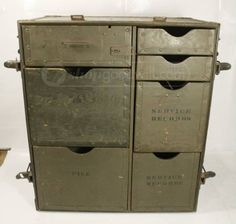Military trunk field desk  $125 Military Bedroom, Military Home Decor, Vintage Interior Design, Industrial Interior Design, Industrial Style Lamps, Campaign Furniture, Army Room, Urban Rustic, Bunker