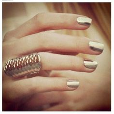 Gold Nails - #gold #goldpolish #goldnails #metallicnails #nailswatch #nailspolish - bellashoot.com