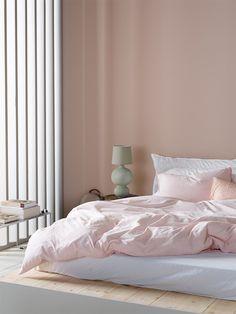 Open Plan Apartment, Nordic Bedroom, Nordic Interior Design, Comfort Gray, Nordic Living, Pink Design, Bedroom Inspiration, Bedroom Ideas, Oslo