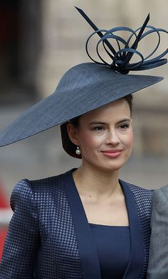 Lady Frederick Windsor  Two and a Half Men actress Sophie Winkleman, a.k.a. Lady Frederick Windsor, also chose a navy blue style.