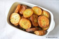 Cartofi prajiti la cuptor cu cimbru | Savori Urbane Potato Recipes, Baked Potato, Side Dishes, Deserts, Goodies, Potatoes, Vegetables, Ethnic Recipes, Heavenly