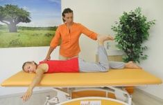 Pozice Žáby Bones And Muscles, Total Body, Excercise, Sun Lounger, Beach Mat, Massage, Outdoor Blanket, Health Fitness, Relax