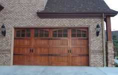 Amarr offers styles of Garage Doors. Choose from Carriage House, Traditional, and Commercial Garage Doors in Steel, Wood and Wood Composite materials. Free How to Buy a Garage Door Guide Nationwide Dealer Network. Carriage Style Garage Doors, Craftsman House Plans, Carriage House, House Exterior, Garage Door House, Garage Door Design, Craftsman House, Garage Door Types, Doors