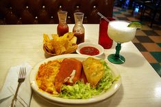 This is the best Mexican food in Arizona. Guayo's El Rey in Miami Arizona has been a family run restaurant since 1938 and a tradition in my family for just as long. I've been eating here for over 50 years. This is my favorite - Dinner - taco, tama Healthy Breakfast Recipes, Easy Dinner Recipes, Great Recipes, Easy Recipes, Favorite Recipes, Enchiladas, Tamale Recipe, Taco Recipe, Mexican Rice Recipes