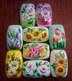 sabonetes pintados a mão