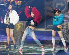 Yuri - Soo Young - Sunny SNSD