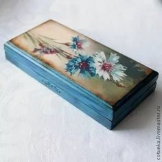 "Master ""the Atelier number (Love, decoupage). Discussion on LiveInternet - Russian Service Online Diaries Decoupage Wood, Decoupage Furniture, Decoupage Vintage, Tole Painting, Painting On Wood, Wood Crafts, Diy And Crafts, Cigar Box Crafts, Jewelry Box Makeover"