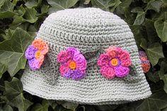 Suzies Stuff: MAY FLOWERS HAT....Lots & Lots of Free Hat Patterns!!
