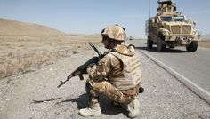 """ALĂTURI DE BRAVO 1 PE AUTOSTRADA A1 • Dimineaţa devreme încep pregătirile pentru a mă deplasa din baza de operaţii înaintată """"Apache"""" către a doua bază de operaţii înaintate a Batalionului 20 Infanterie """"Scorpionii Negri"""" din provincia Zabul, baza """"Mescall"""". Scorpion, Afghanistan, Bradley Mountain, Military, Backpacks, Theatres, Bags, Scorpio, Handbags"""