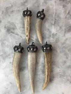 Your place to buy and sell all things handmade Deer Antler Jewelry, Deer Antler Ring, Deer Horns, Antler Art, Bone Jewelry, Bullet Jewelry, Antler Crafts, Bone Crafts, Art Carved