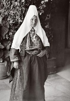 Bethlehem Woman: Bethlehem, Palestine 1900-1920