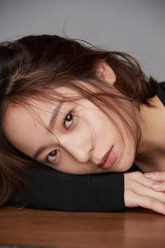 ( Fx ) 에프엑스 Krystal Jung # 크리스탈정 # ❤ Jung Soo Jung ❤ 정수정 ❤ : Pictorial For an Interview Krystal Fx, Jessica & Krystal, Jessica Jung, Korean Beauty, Asian Beauty, Korean Girl, Asian Girl, Krystal Jung Fashion, The Most Beautiful Girl