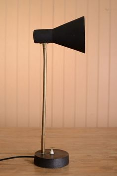 OnlineGalleries.com - 1940's Flexible Table Lamp.Very good condition. Made in England. C. 1940