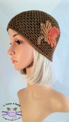 Handmade hat, crocheted with wool and acrylic yarn, soft and warm.  Yarn type: Kristal di TitanWool (made in Italy) shrinkproof - 56% Wool,