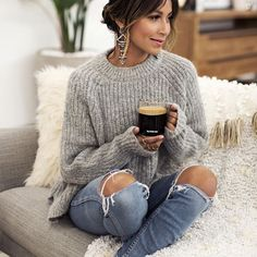 Coffee anyone? ☕️ yes! @nespressousa is making things easy this holiday season for gifting your loved ones! More on the blog Sincerelyjules.com #sponsored