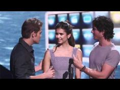 Paul Wesley and Ian Somerhalder seduce Nina Dobrev at the 2011 Teen Choice Awards.