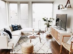 west elm - A Minimal Boho Modern Small Apartment In Seattle | HOME ...