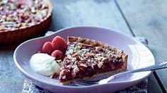 Hindbærtærte med chokoladeremonce og mandler | Femina
