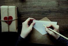 En esta página vamos a ver muchos consejos sobre cómo escribir cartas a un esposo. Veremos ciertas ideas para aplicar cuando no sabemos cómo comenzar la carta.
