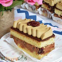 Prajitura Deliciu cu nuci cafea ciocolata Parfait, Snickers Cheesecake, Creme Caramel, Something Sweet, Mocha, Nutella, Tiramisu, Oreo, Fondant